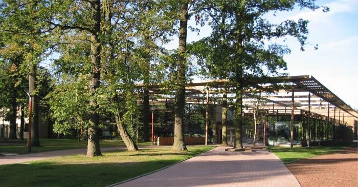 Lycée Charlotte PERRIAND : vu sur lycée